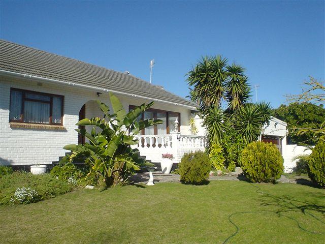 Spacious 5-Bedroom house in Milnerton