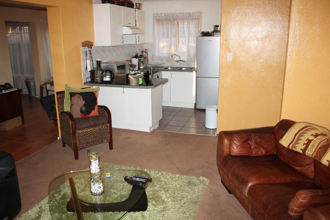 2 Bedroom Townhouse in Weltevreden Park