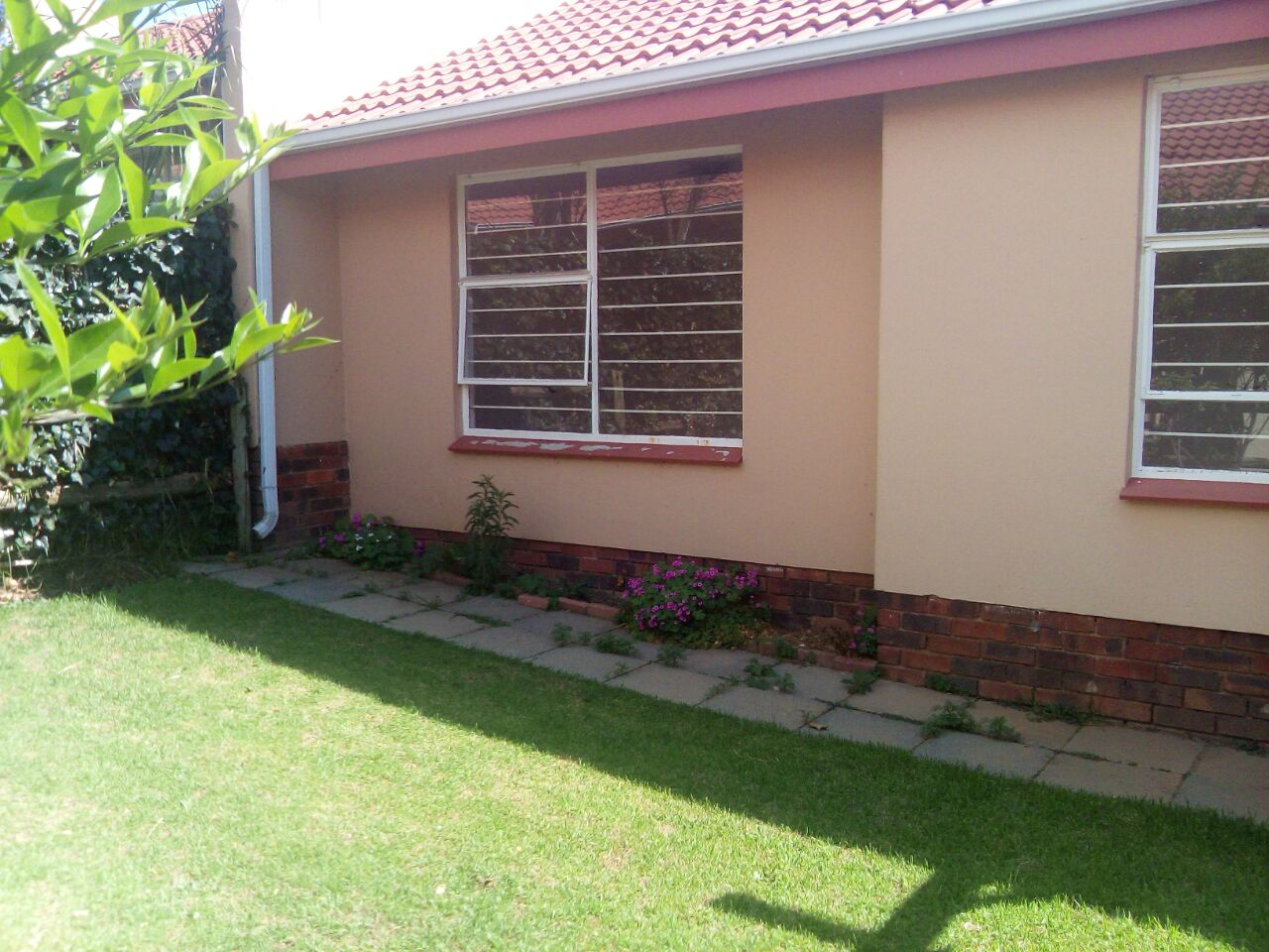 2 Bedroom Townhouse for sale in Sunninghill ENT0074719 : photo#0