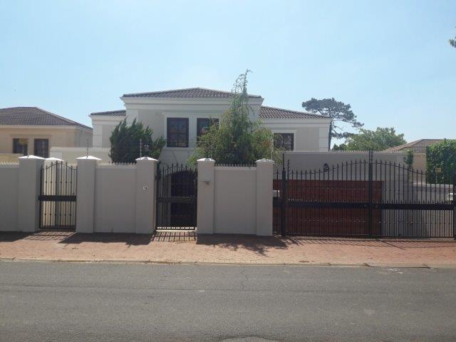 4 BedroomHouse For Sale In Claremont Upper