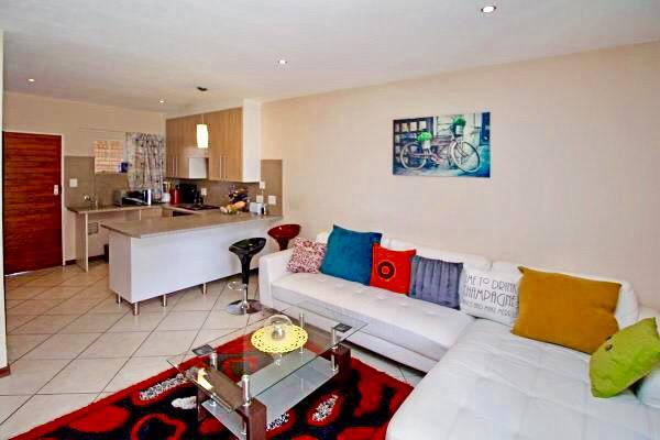 lounge & kitchen .jpeg