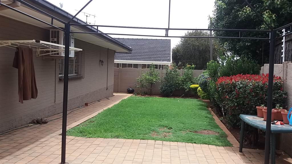 3 Bedroom House for sale in South Crest ENT0081637 : photo#12