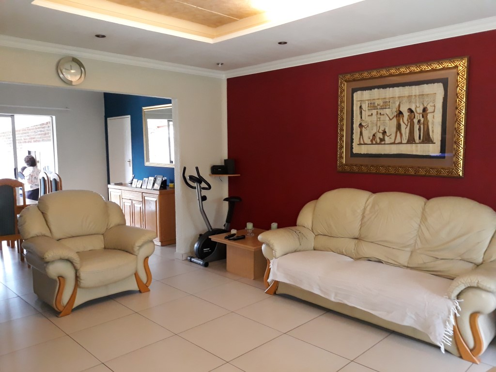 3 Bedroom House for sale in Verwoerdpark ENT0084761 : photo#17