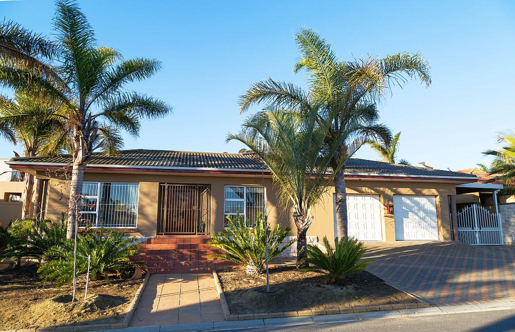 4 BedroomHouse For Sale In Sonstraal Heights