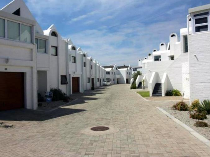 2 BedroomApartment For Sale In Dwarskersbos