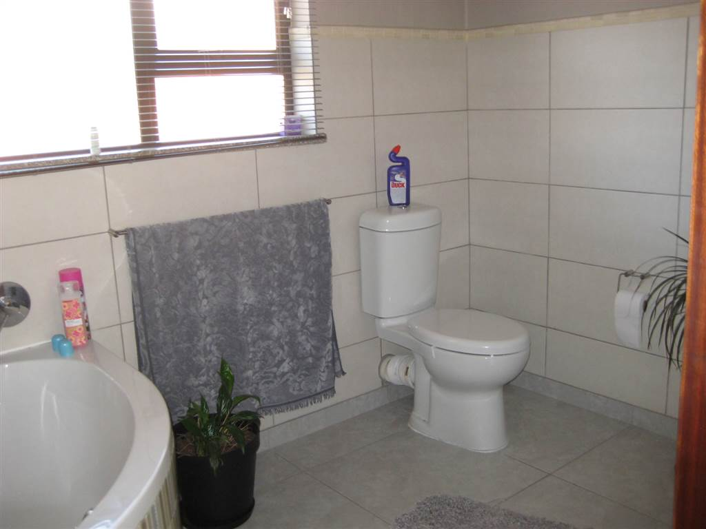 3 Bedroom House for sale in New Redruth ENT0070591 : photo#5