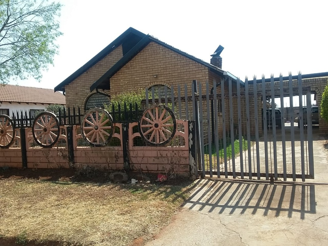 4 Bedroom family home for sale in Villa Liza