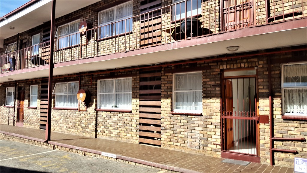 2 BedroomTownhouse For Sale In New Redruth