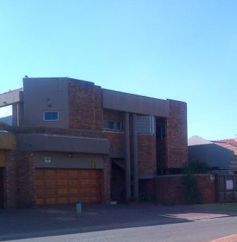 4 BedroomHouse For Sale In Lenasia Ext 3