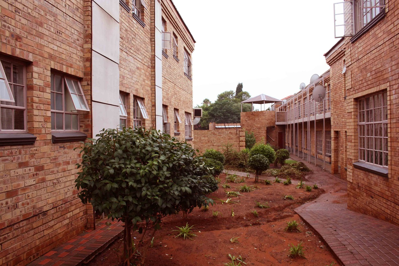 2 BedroomApartment For Sale In Dassie Rand