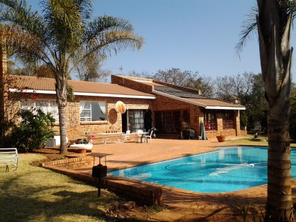 5 BedroomHouse For Sale In Ruimsig A H