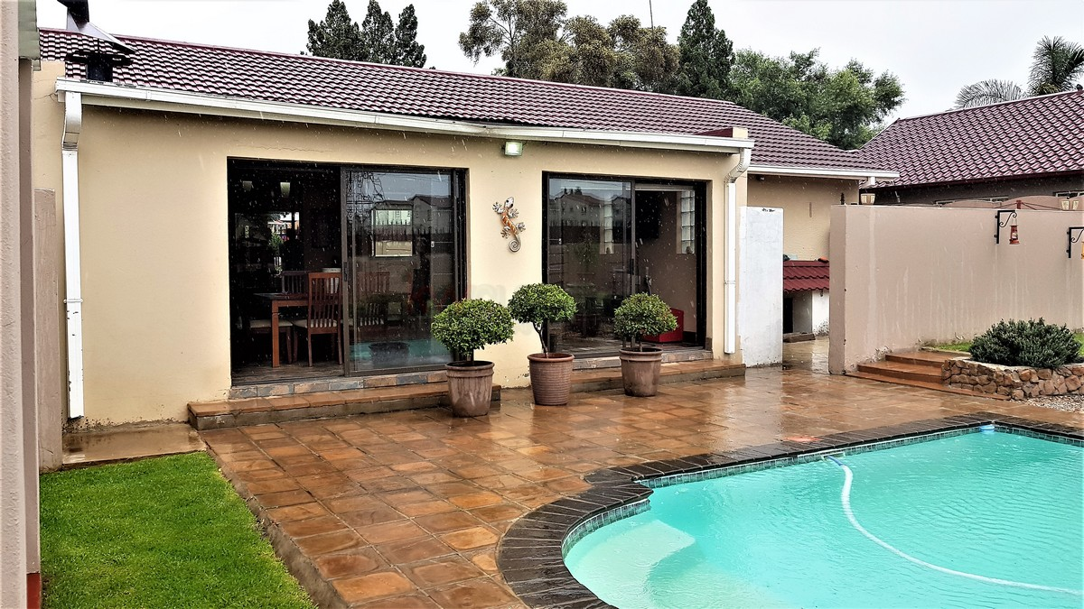 3 Bedroom House for sale in Verwoerdpark ENT0084632 : photo#8