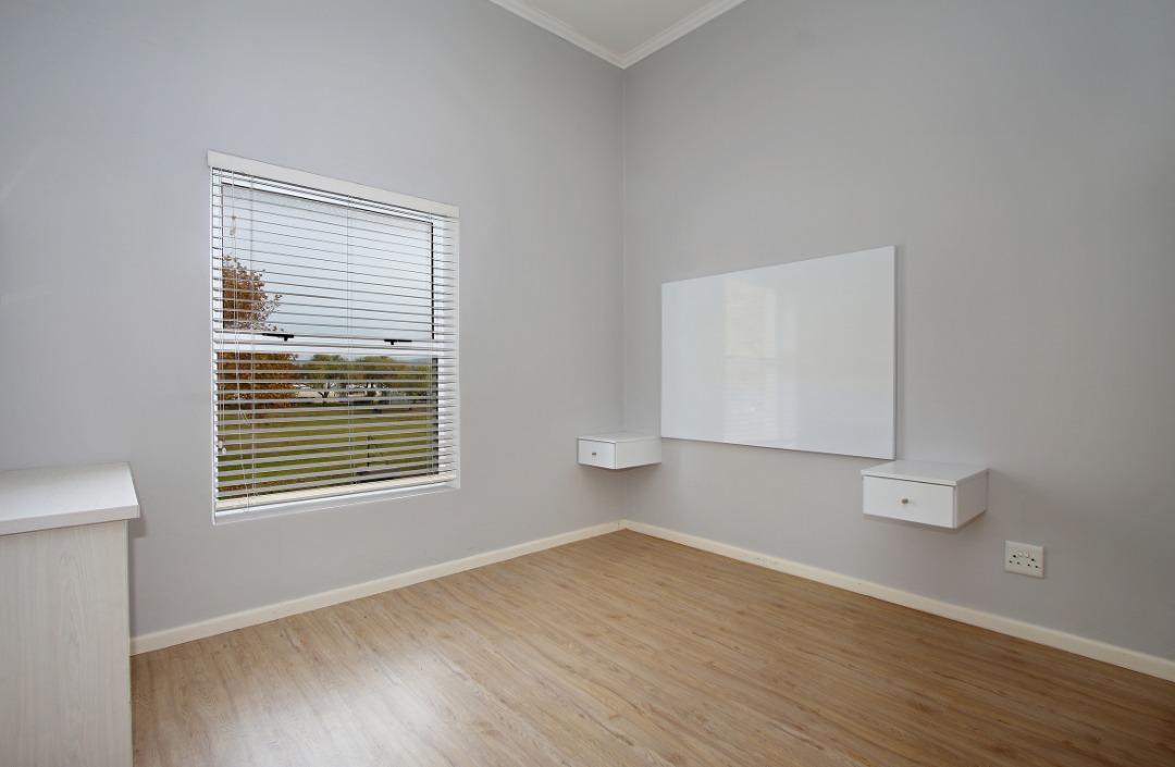 Guest bedroom 1.jpeg