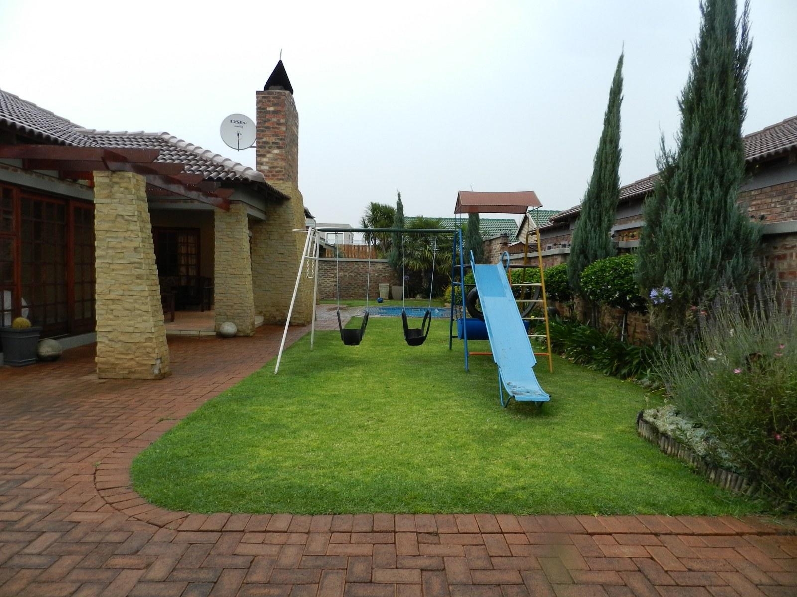 3 BedroomHouse For Sale In Van Der Hoff Park