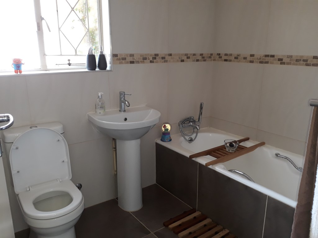 3 Bedroom House for sale in Verwoerdpark ENT0084746 : photo#10