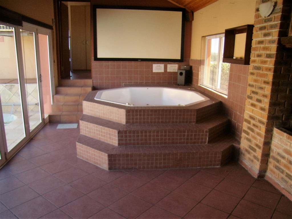 10 Bedroom House for sale in Gansbaai ENT0011932 : photo#3