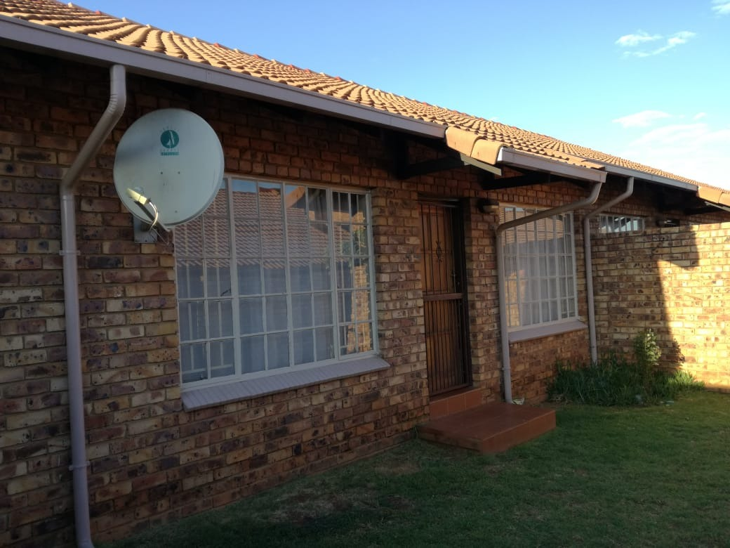 3 Bedroom townhouse with own garden