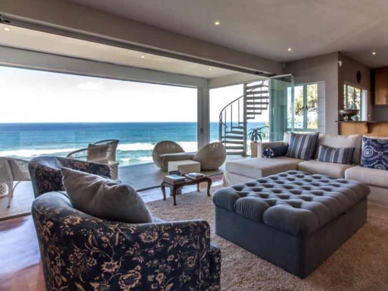 5 BedroomHouse For Sale In Amanzimtoti