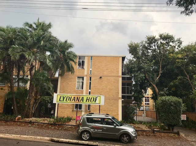 Large 2 Bedroom Apartment, Perfectly priced for sale in Lydiana, Pretoria East