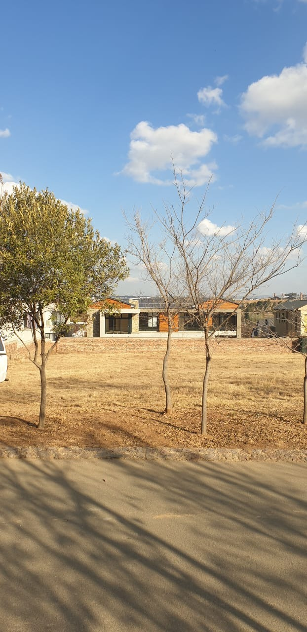 Build your dream home in this highly desirable lifestyle estate