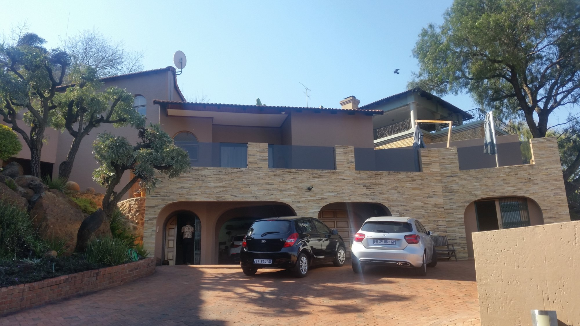 Beautiful Exquisite Property for sale in Bassonia