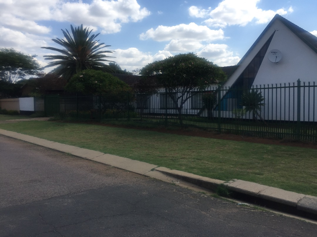 Spacious house for sale in Pretoria North