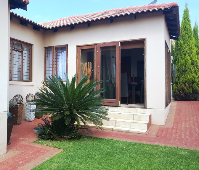 3 BedroomTownhouse For Sale In Chancliff A H