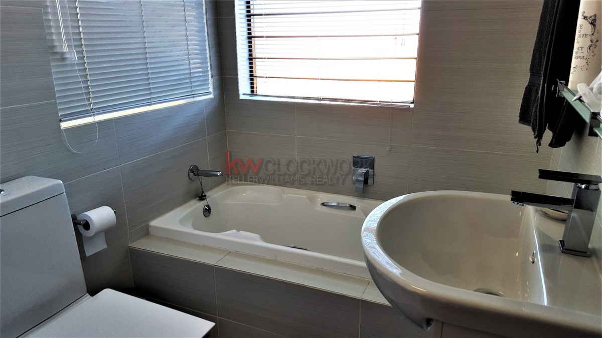 3 Bedroom Townhouse for sale in Bassonia ENT0044188 : photo#21