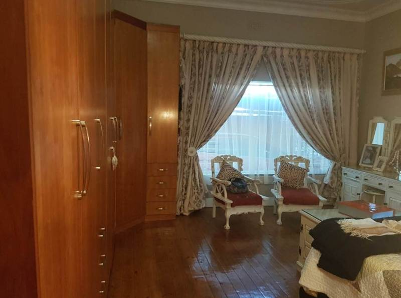 4 Bedroom House for sale in Florentia ENT0079846 : photo#40