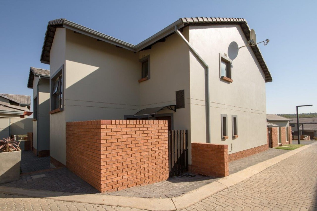 3Bed 2Bath Home in RIVERBEND ESTATE, KYALAMI HILLS