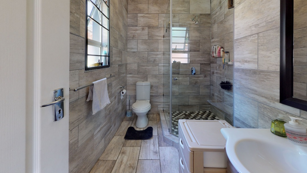 1-Sunny-side-Ridge-Bathroom(1).jpeg