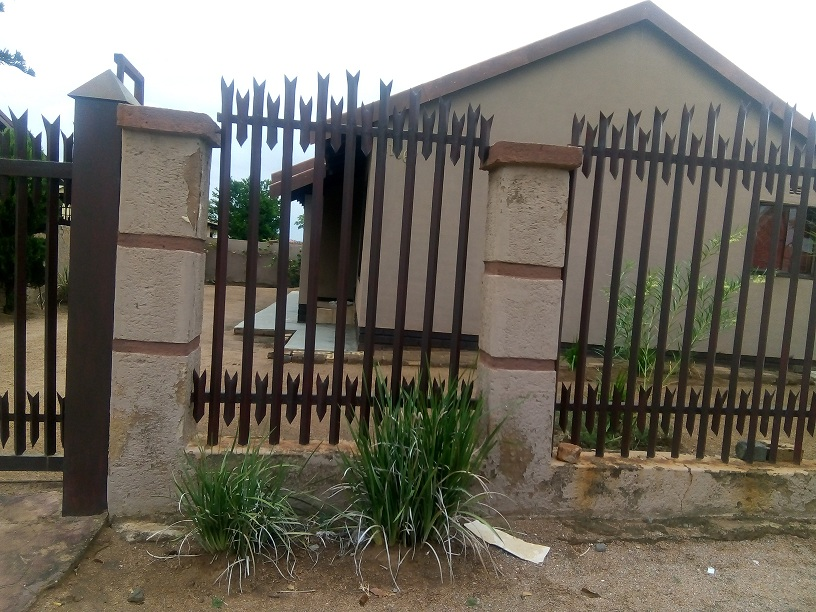 Three bedroom house in Mabopane