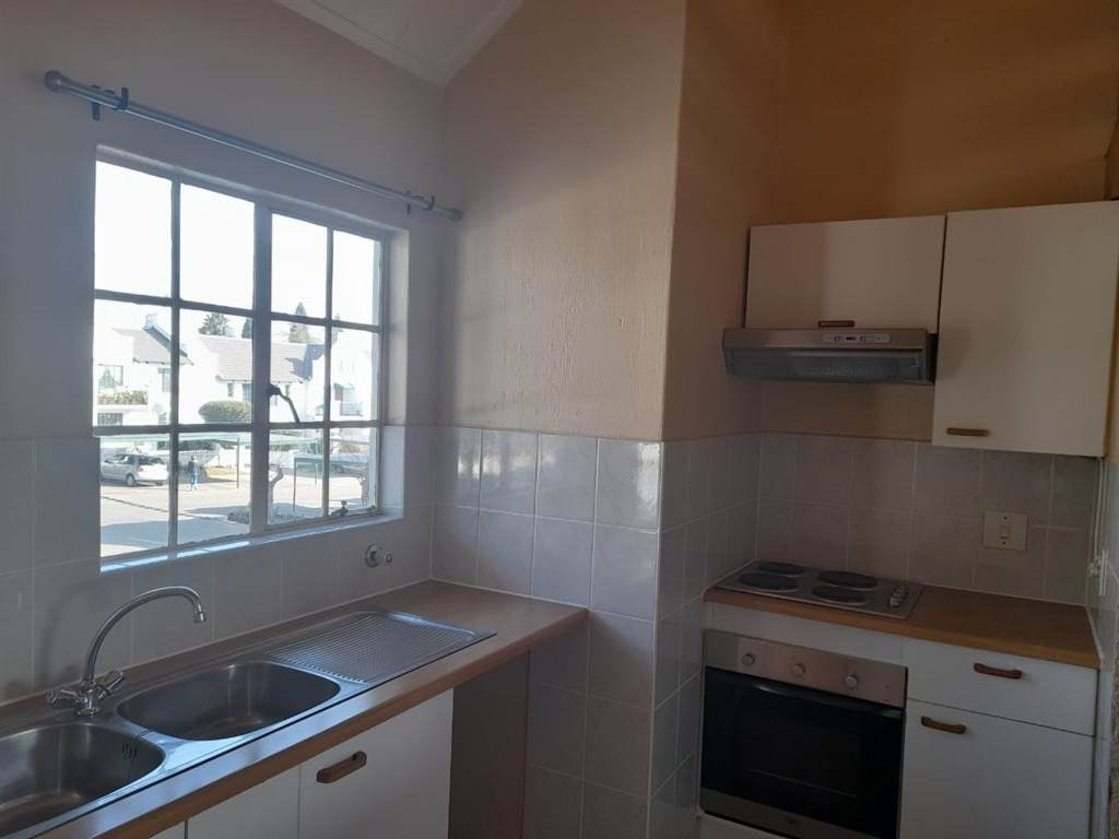 Apartment For Sale in Dowerglen Ext 4