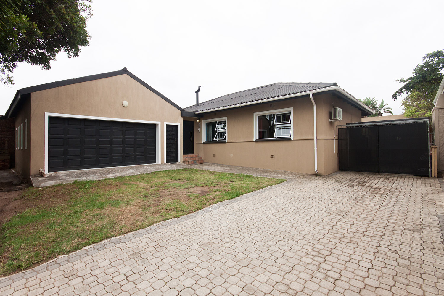 3 BedroomHouse For Sale In Newton Park