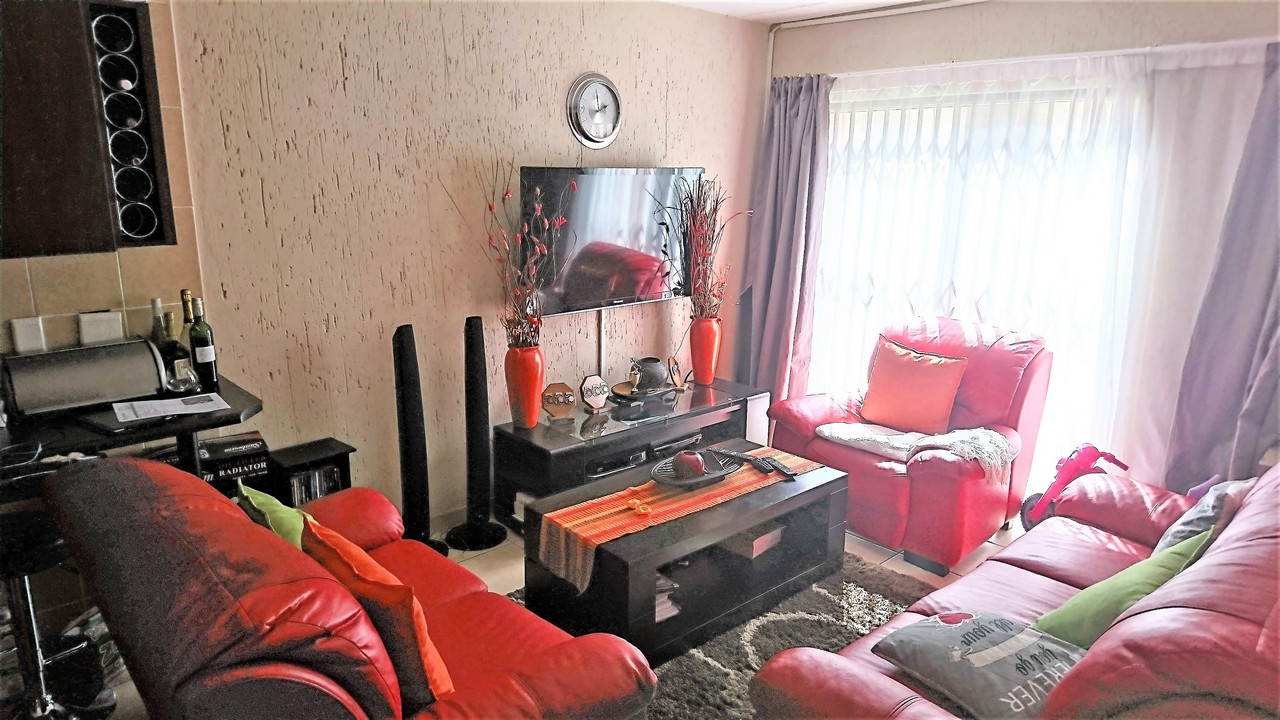 2 BedroomTownhouse For Sale In Ormonde