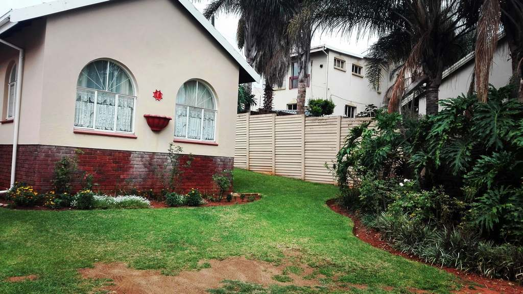 4 Bedroom House for sale in Garsfontein ENT0083808 : photo#8
