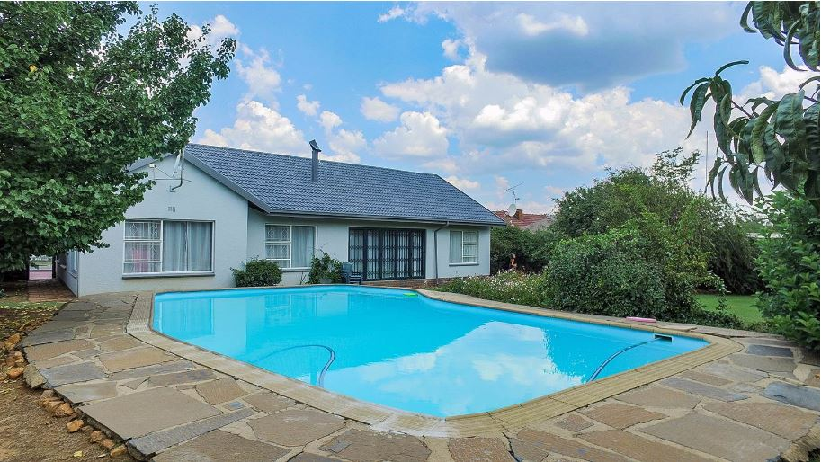 4 BedroomHouse For Sale In Brackendowns