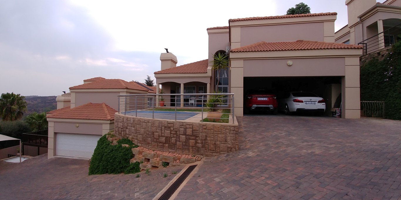 4 Bedroom Townhouse for sale in Glenvista ENT0066950 : photo#0