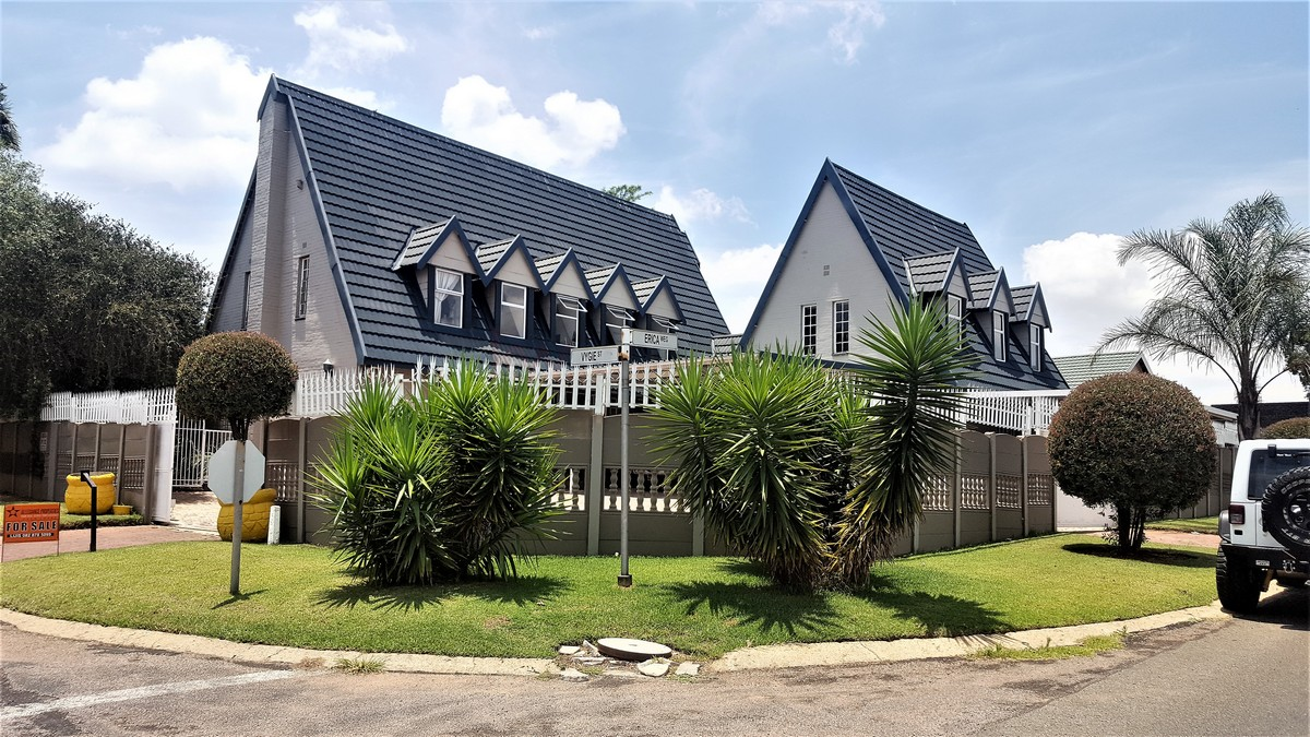 4 Bedroom House for sale in Verwoerdpark ENT0079262 : photo#0