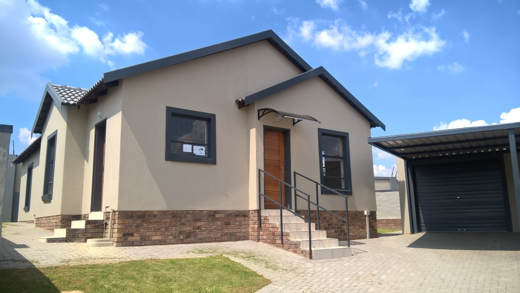 Affordable full title entry home Centurion