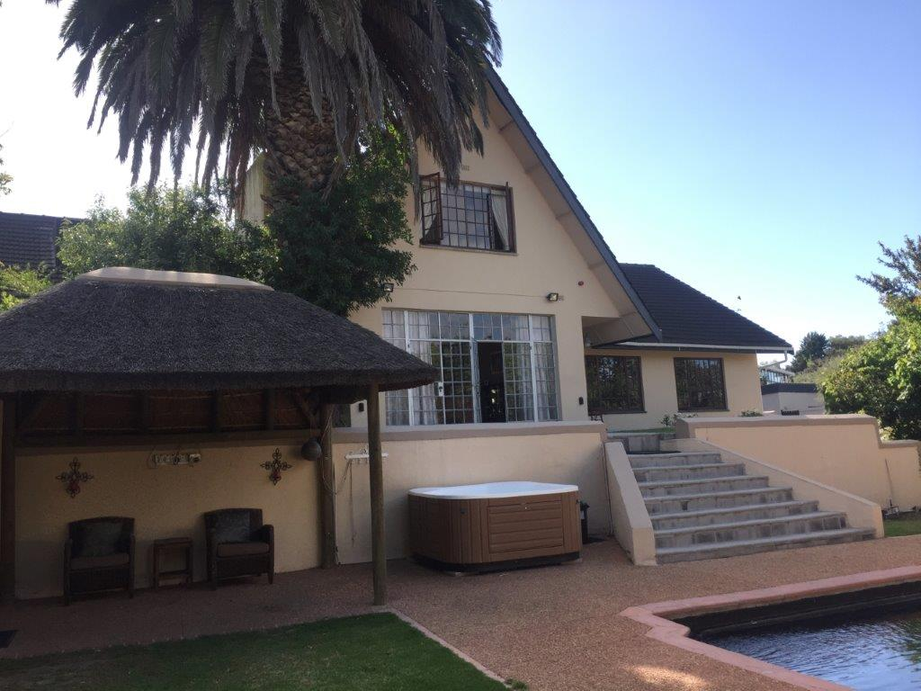 5 BedroomHouse For Sale In Durbanville Hills