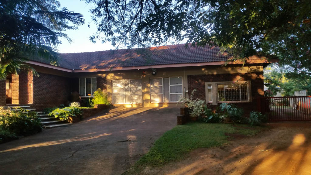 Lovely 4 Bedroom Family House In Louis Trichardt.