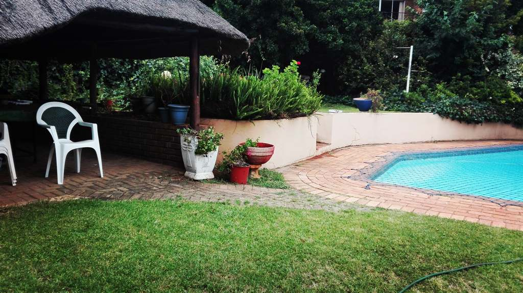 4 Bedroom House for sale in Garsfontein ENT0083808 : photo#4