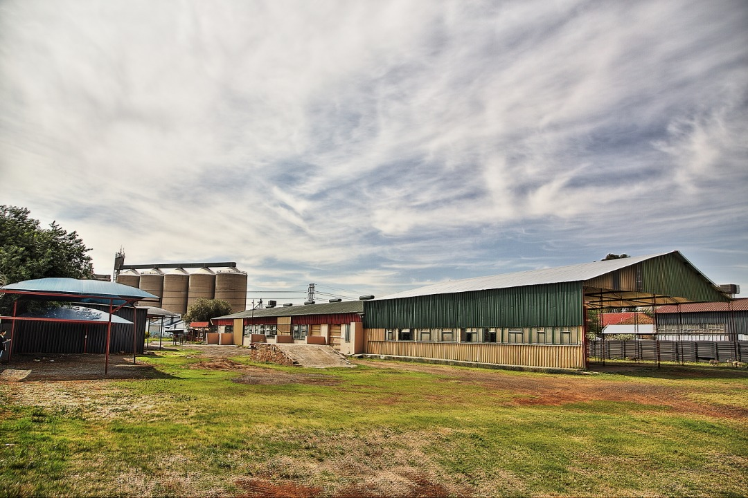 LARGE Industrial Property with very Competitive Location