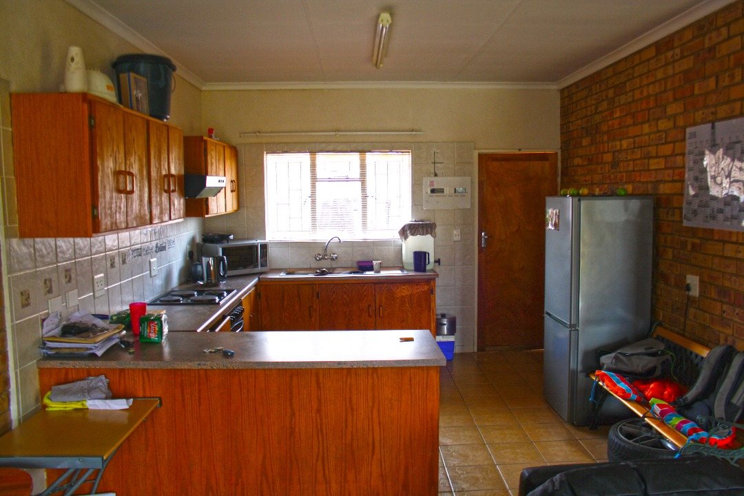 2 BedroomHouse For Sale In Meiringspark