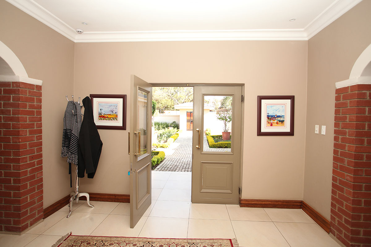 4 Bedroom House for sale in Waterkloof ENT0009460 : photo#6