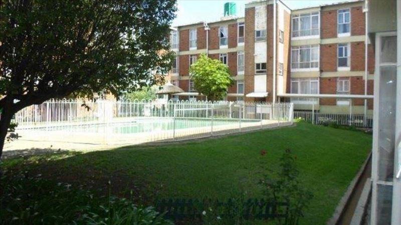 Spacious 2 Bed, 2 Bath Unit, Kempton Park