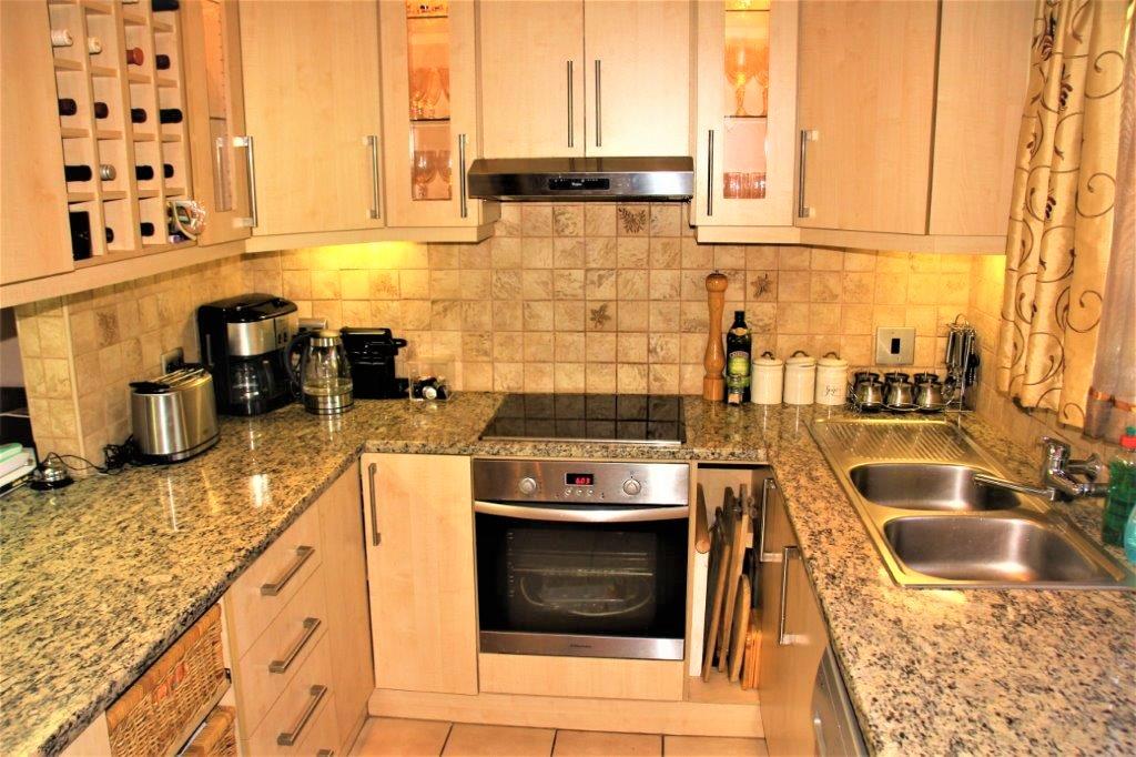 3 Bedroom Townhouse for sale in Eldoraigne ENT0032709 : photo#8