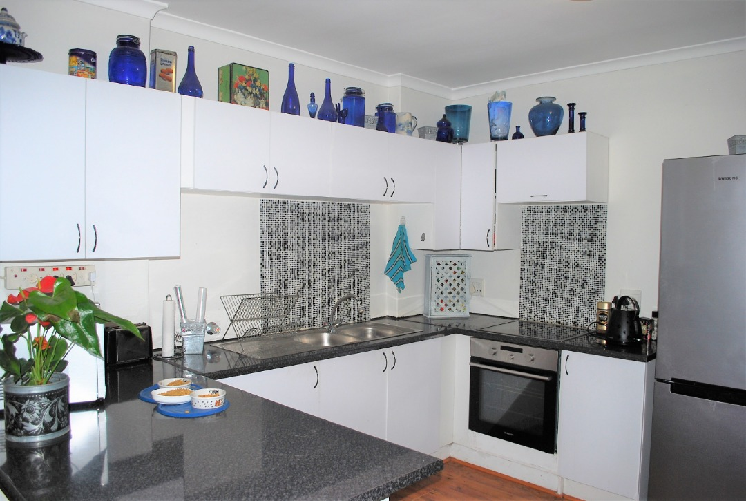 Spacious yet Cosy Townhouse in Complex close to the beach!