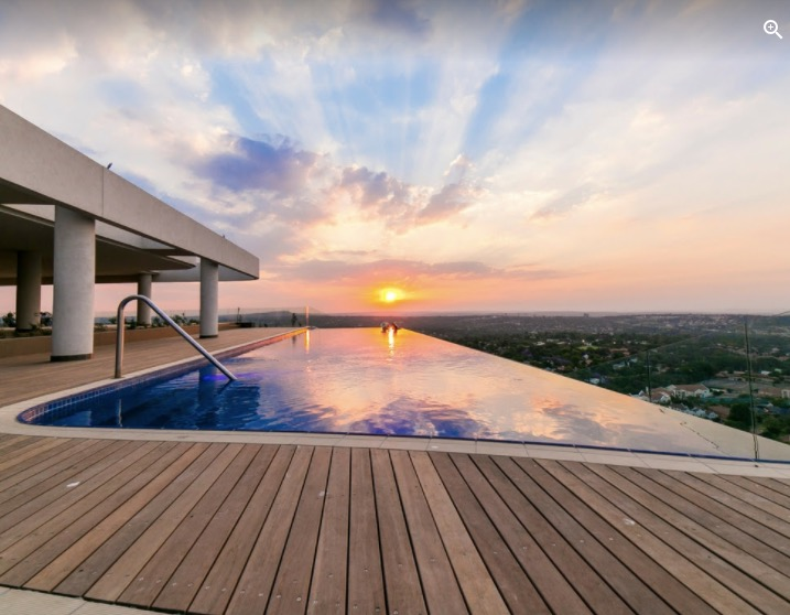 Luxury Penthouse with panoramic views!